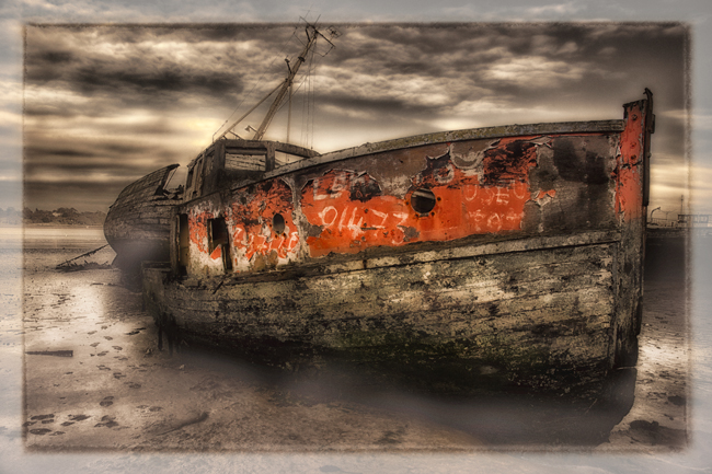 01  Abandoned Boats  Pin Mill  IDN0194490-GRB 2012