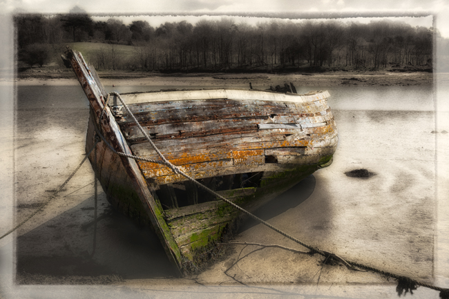 06  Abandoned Boats  Woodbridge  IDN0199105-GRB  2013