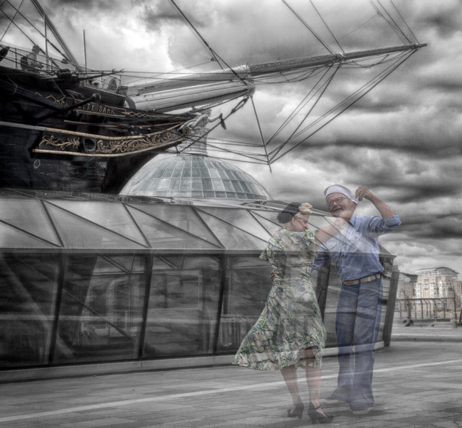 Dancing on the Quayside  IDN0233604-GRB  2014