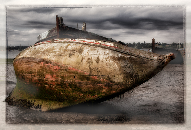 Abandoned Boats  Pin Mill  IDN0202625-GRB  2013